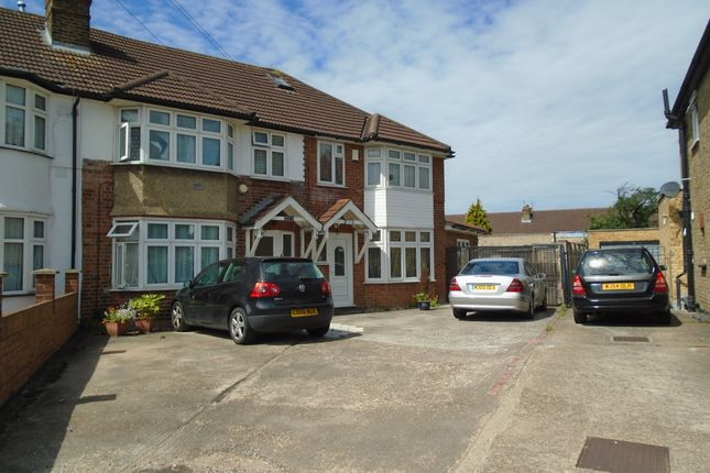 Thumbnail Detached house to rent in Meadowbank Gardens, Cranford