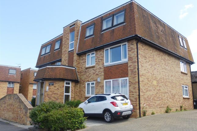 Thumbnail Flat to rent in Beacon Road, Herne Bay