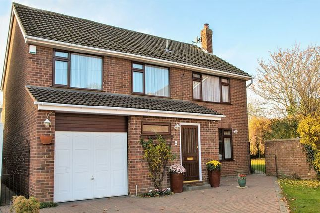Thumbnail Detached house for sale in Croft Close, Thame