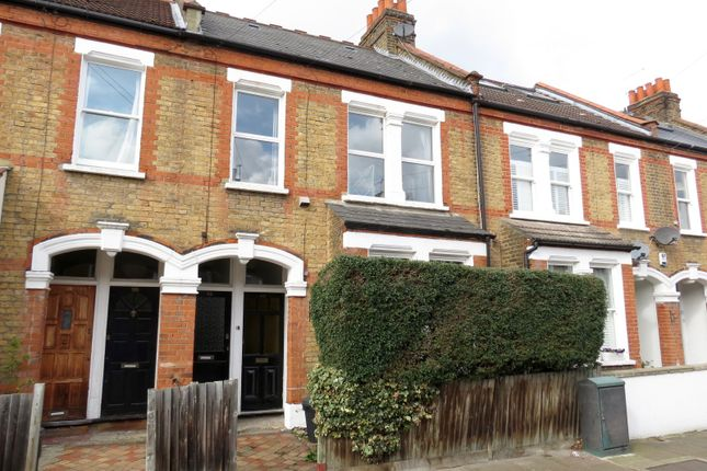 Thumbnail Flat for sale in Balvernie Grove, London