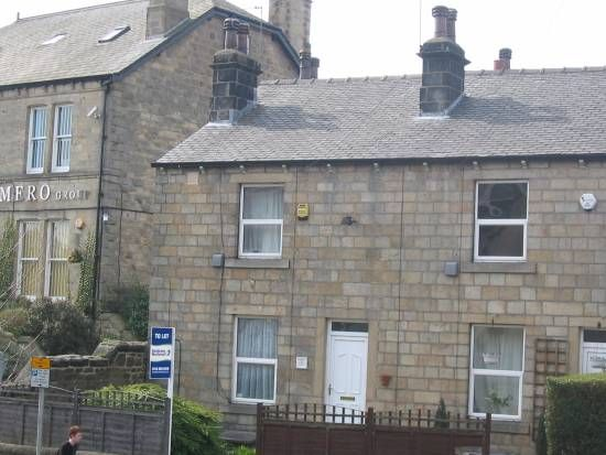 Thumbnail Cottage to rent in Troy Road, Horsforth, Leeds