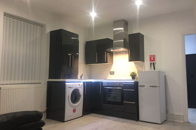 Thumbnail Flat to rent in Lilley Road, Liverpool