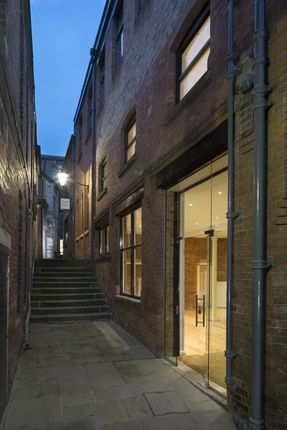Thumbnail Restaurant/cafe to let in Unit 1 Tokenhouse Yard, Nottingham