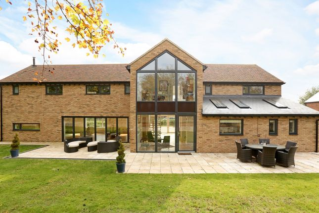Thumbnail Barn conversion to rent in Latimer Chase, Chenies, Rickmansworth