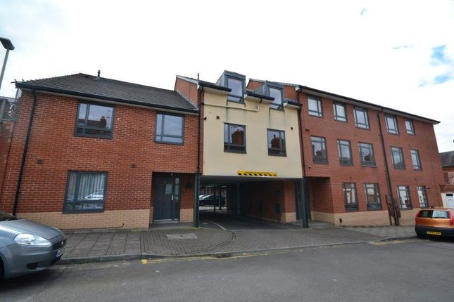 Thumbnail Flat for sale in Fleetwood Court, Leicester