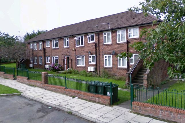 Thumbnail Flat to rent in Sutton Crescent, Bradford