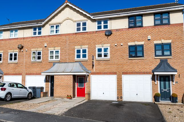 3 bed town house for sale in Tower View, Blackpool FY2