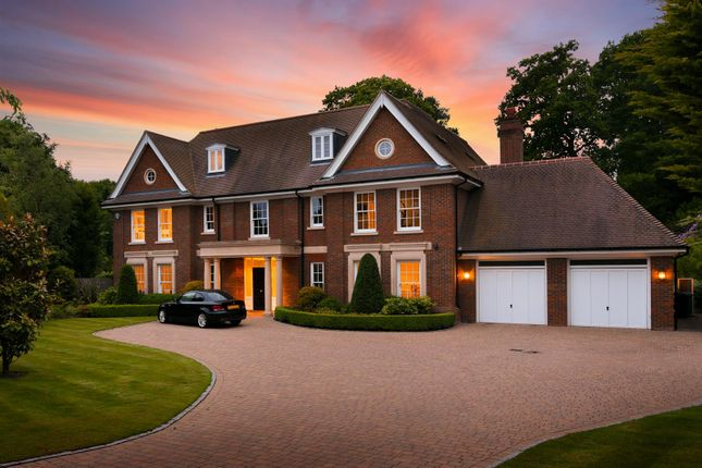 5 bed detached house for sale in Woodland Way, Kingswood, Tadworth