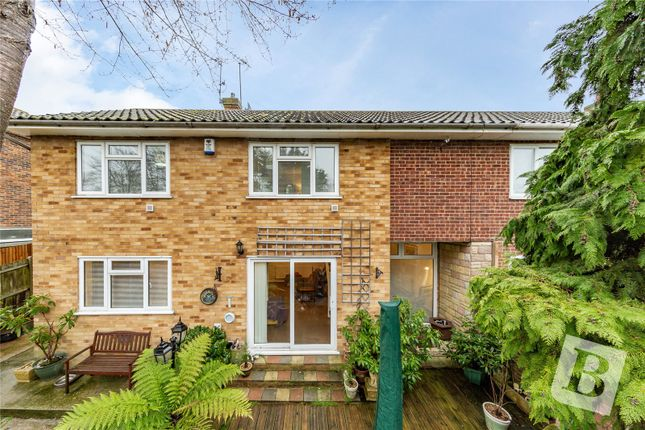 3 bed semi-detached house for sale in Lyndhurst Way, Istead Rise, Gravesend DA13