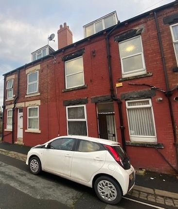 2 bed property to rent in Glensdale Road, East End Park, Leeds LS9