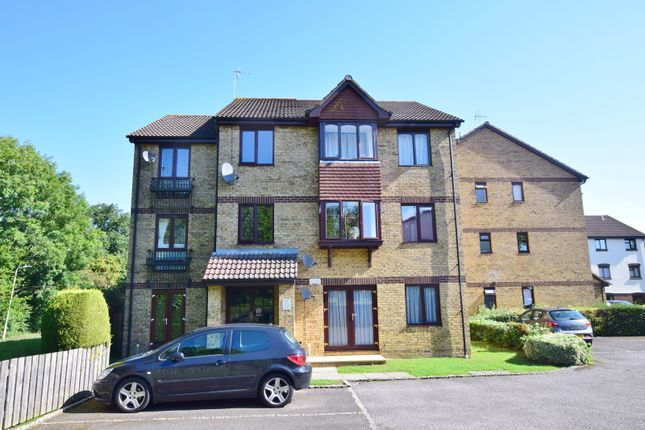 Flat to rent in Longacre Road, Singleton, Ashford