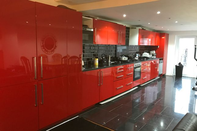 Thumbnail Terraced house for sale in Kingston Road, Ilford