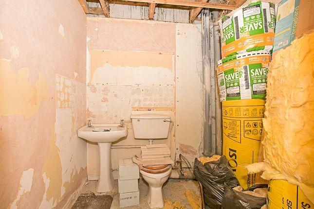 Bathroom of The Chalets, Jelbert Way, Eastern Green, Penzance TR18