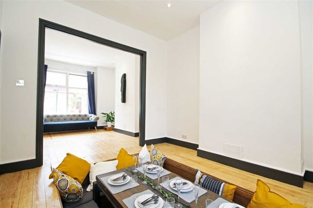 Thumbnail Property to rent in Vale Grove, London