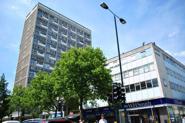 2 bed flat to rent in Campden Hill Towers, Notting Hill Gate