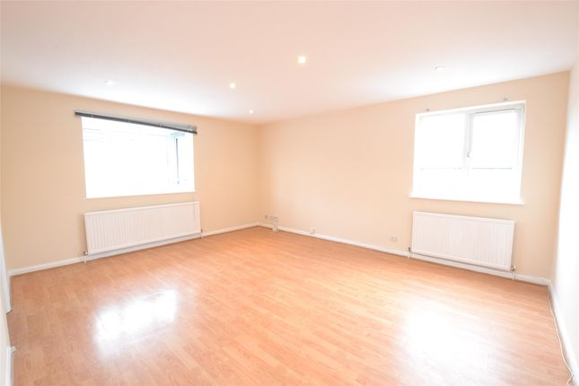 Thumbnail Flat to rent in Hadley Road, Barnet, Hertfordshire