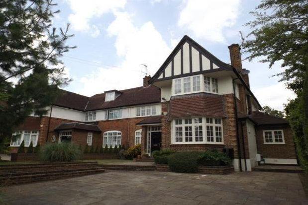 Thumbnail Property to rent in Oakleigh Park South, London