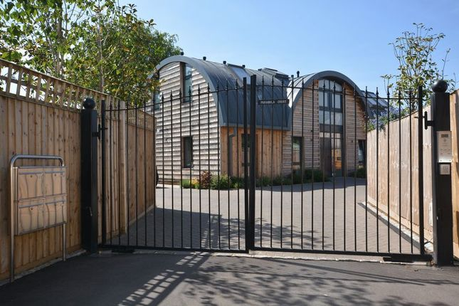 Thumbnail Flat for sale in Pemberton Road, East Molesey