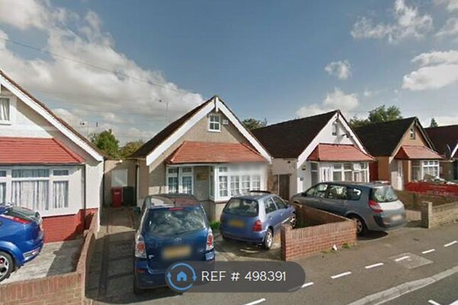 Thumbnail Flat to rent in St. John's Road, Slough