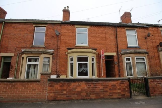 Thumbnail Town house to rent in Huntingtower Road, Grantham