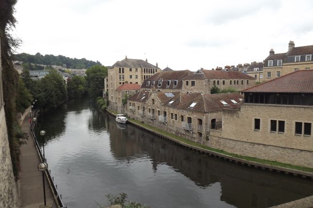 Thumbnail Flat to rent in Caxton Court, Grove Street, Bath