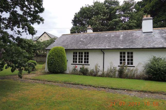 Thumbnail Bungalow to rent in 1, Trelonydd, Llandinam, Powys