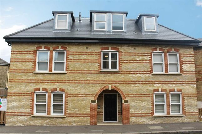 2 bed flat for sale in Hanover House, Eastwood Road, South Woodford