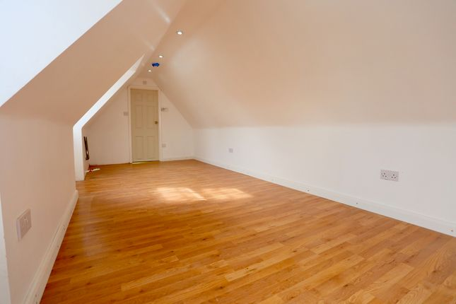 Thumbnail Studio to rent in High Street, Colnbrook, Slough