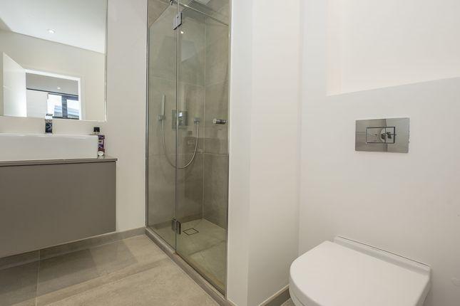 Bathroom of West Gate, London W5