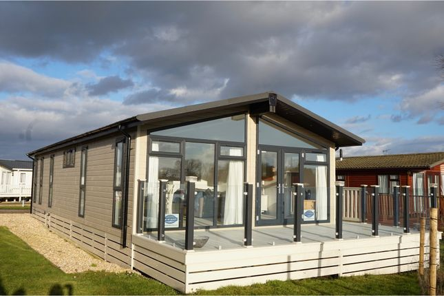 Thumbnail Mobile/park home for sale in Vinnetrow Road, Chichester