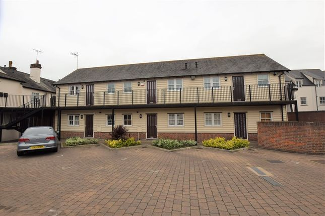 Thumbnail Flat to rent in Courtaulds Mews, High Street, Braintree