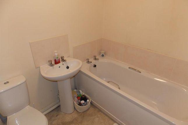 Bathroom of Lytton Street, Middlesbrough TS4