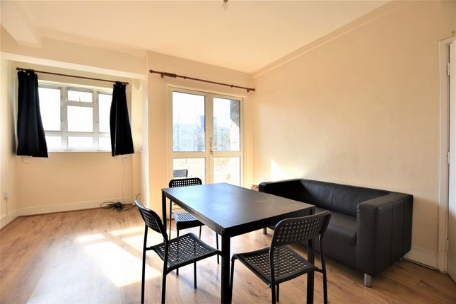 2 bed flat to rent in Tilling House, Nunhead Estate, Peckham SE15