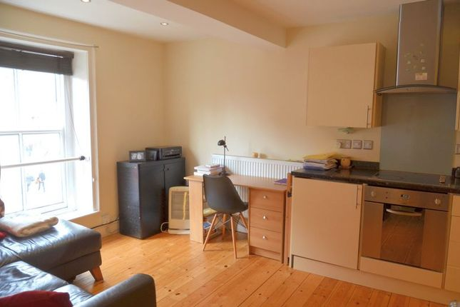 Thumbnail Flat for sale in Steep Hill, Lincoln