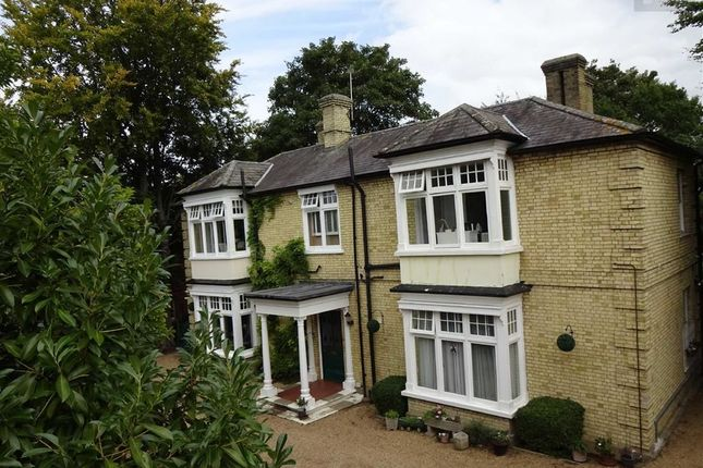 Thumbnail Flat for sale in Hillsborough House, Churchgate Street, Old Harlow, Essex