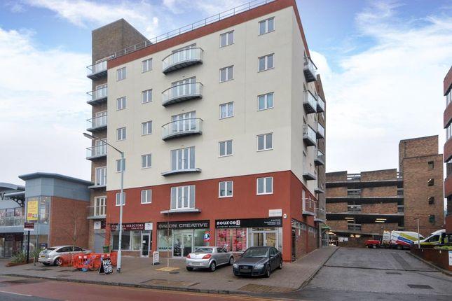 Thumbnail Flat for sale in Market Street, Bracknell