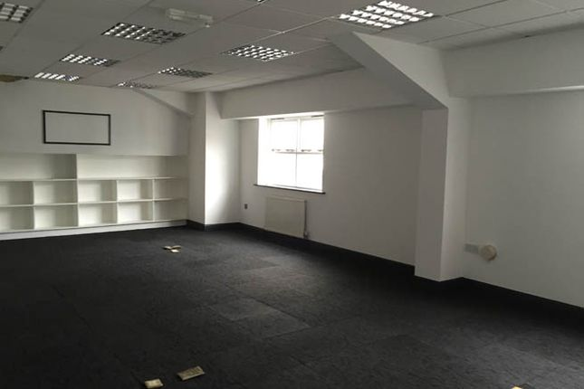 Thumbnail Office to let in The Hayes, Stourbridge, West Midlands