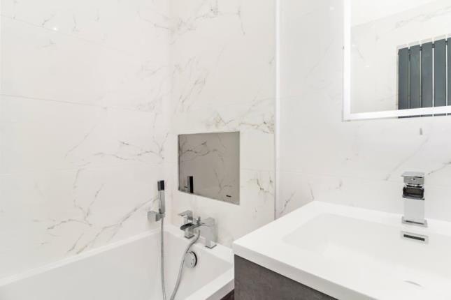 Bathroom TV of Shaw Farm Apartments, 64 Newtonlea Avenue, Newton Mearns, East Renfrewshire G77