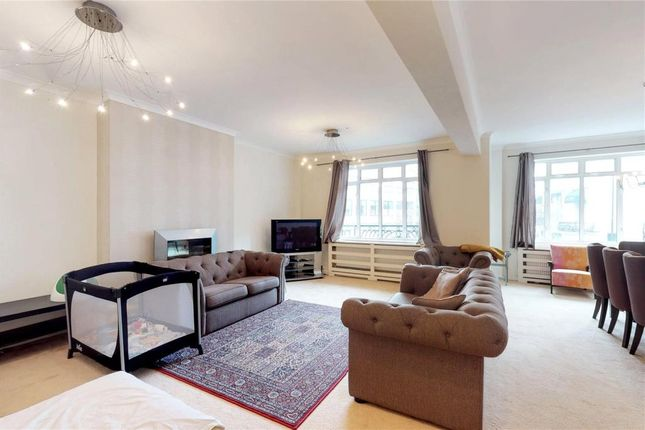 3 bed flat for sale in Maitland Court, London
