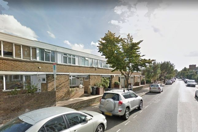 Thumbnail Semi-detached house to rent in Meadow Road, Vauxhall