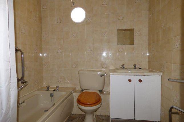 Bathroom/WC of Beach Street, Bare, Morecambe LA4