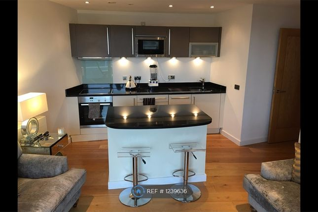 1 bed flat to rent in Wharf Approach, Leeds LS1