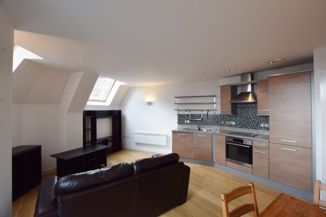 Thumbnail Flat to rent in Hunslet Road, Hunslet, Leeds