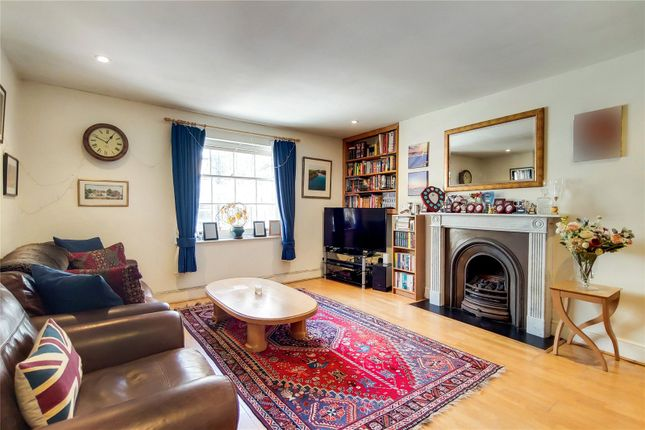 Thumbnail Property for sale in Jerusalem Passage, London
