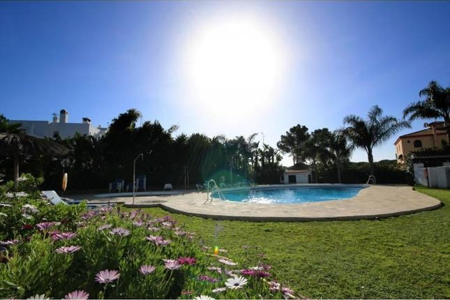2 bed apartment for sale in Estepona, Andalucia, Spain