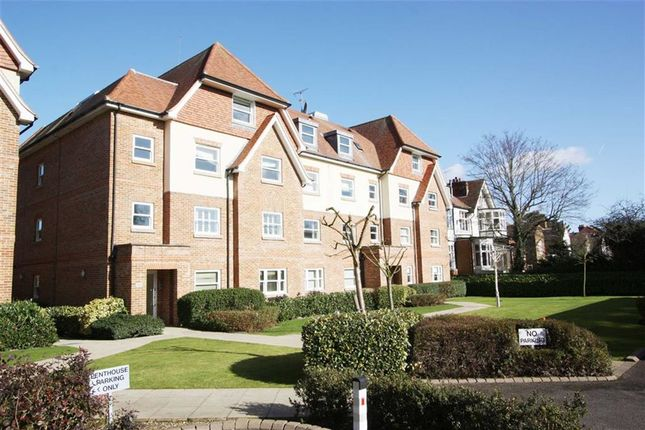 Thumbnail Flat to rent in Grosvenor Heights, North Chingford, London