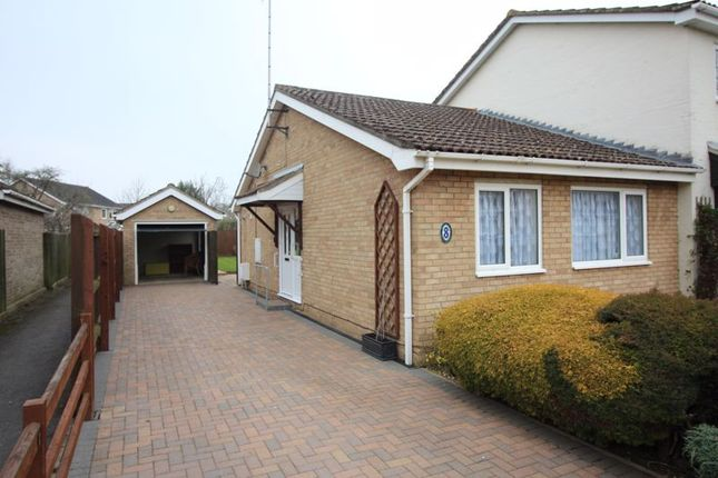 2 bed bungalow to rent in Elizabethan Way, Brampton, Huntingdon PE28