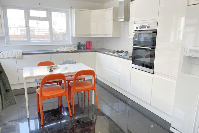 Thumbnail Town house to rent in Pedro Street, Hackney