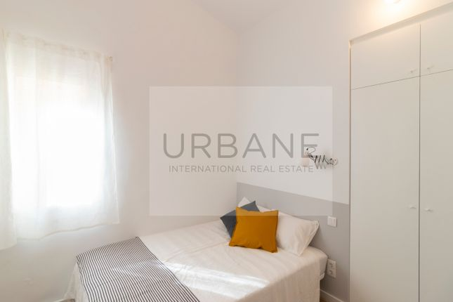 Bedroom 1 of 27322, For Sale 2 Bed Refurbished Apartment In Barcelona, Spain