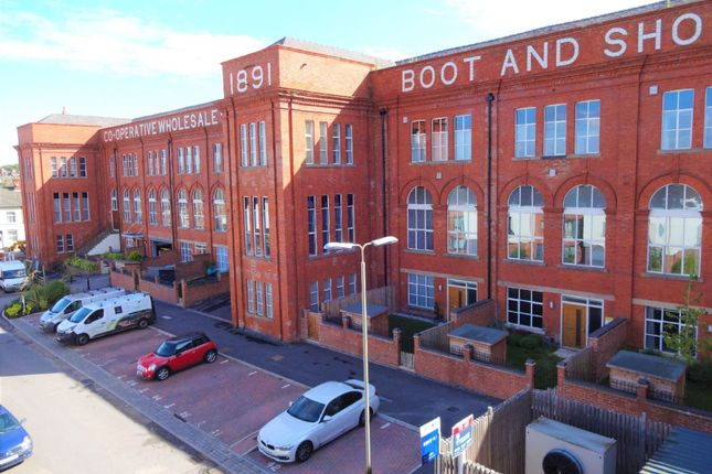 Thumbnail Flat to rent in Cowper Street, Knighton Fields, Leicester